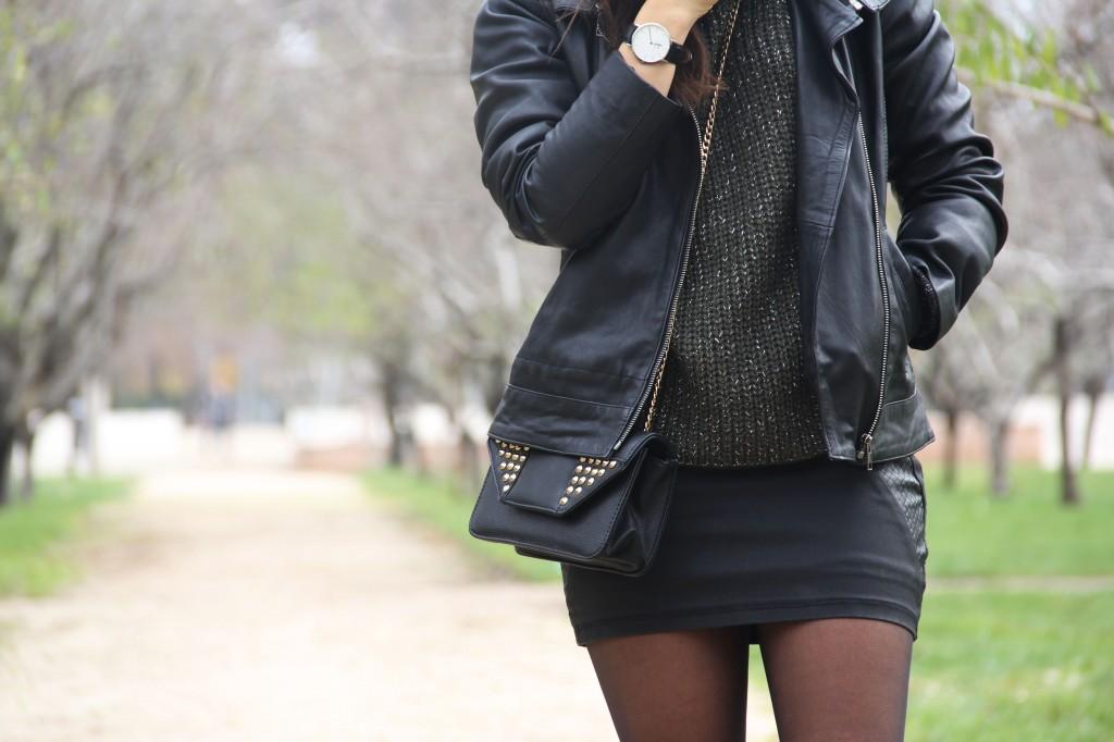 cómo combinar una falda de cuero