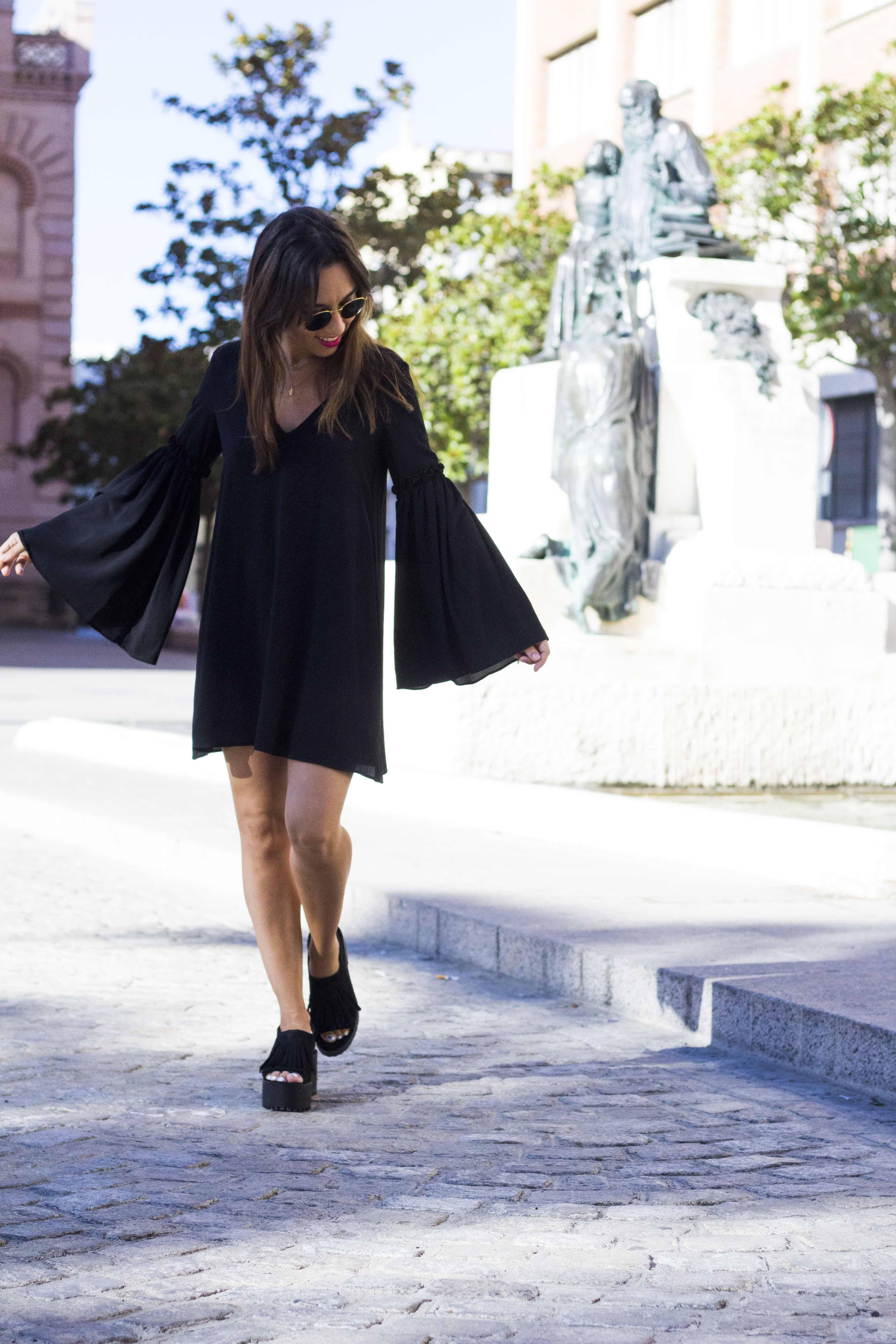 vestido_negro-mangas_campana13