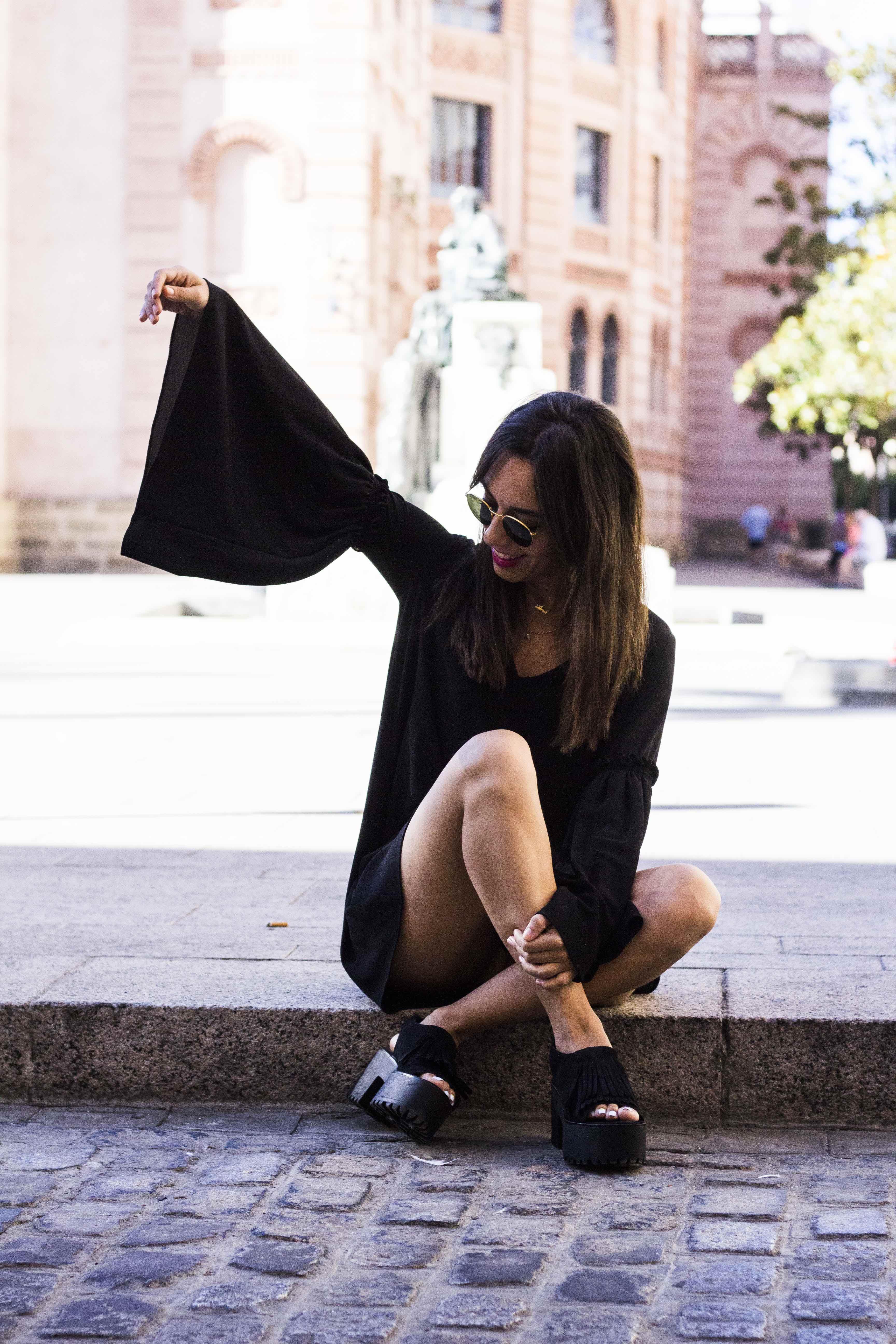 vestido_negro-mangas_campana15
