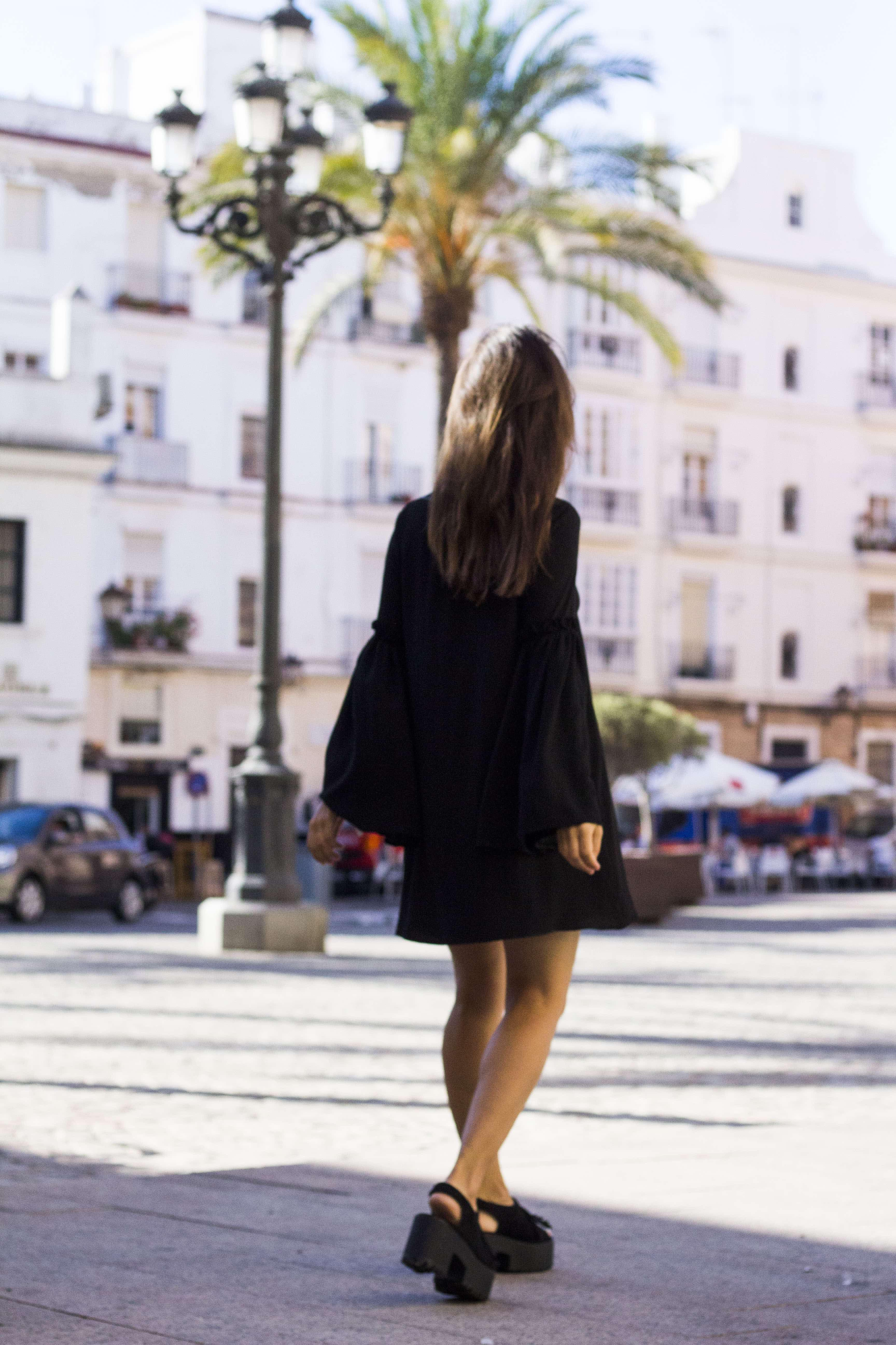 vestido_negro-mangas_campana3
