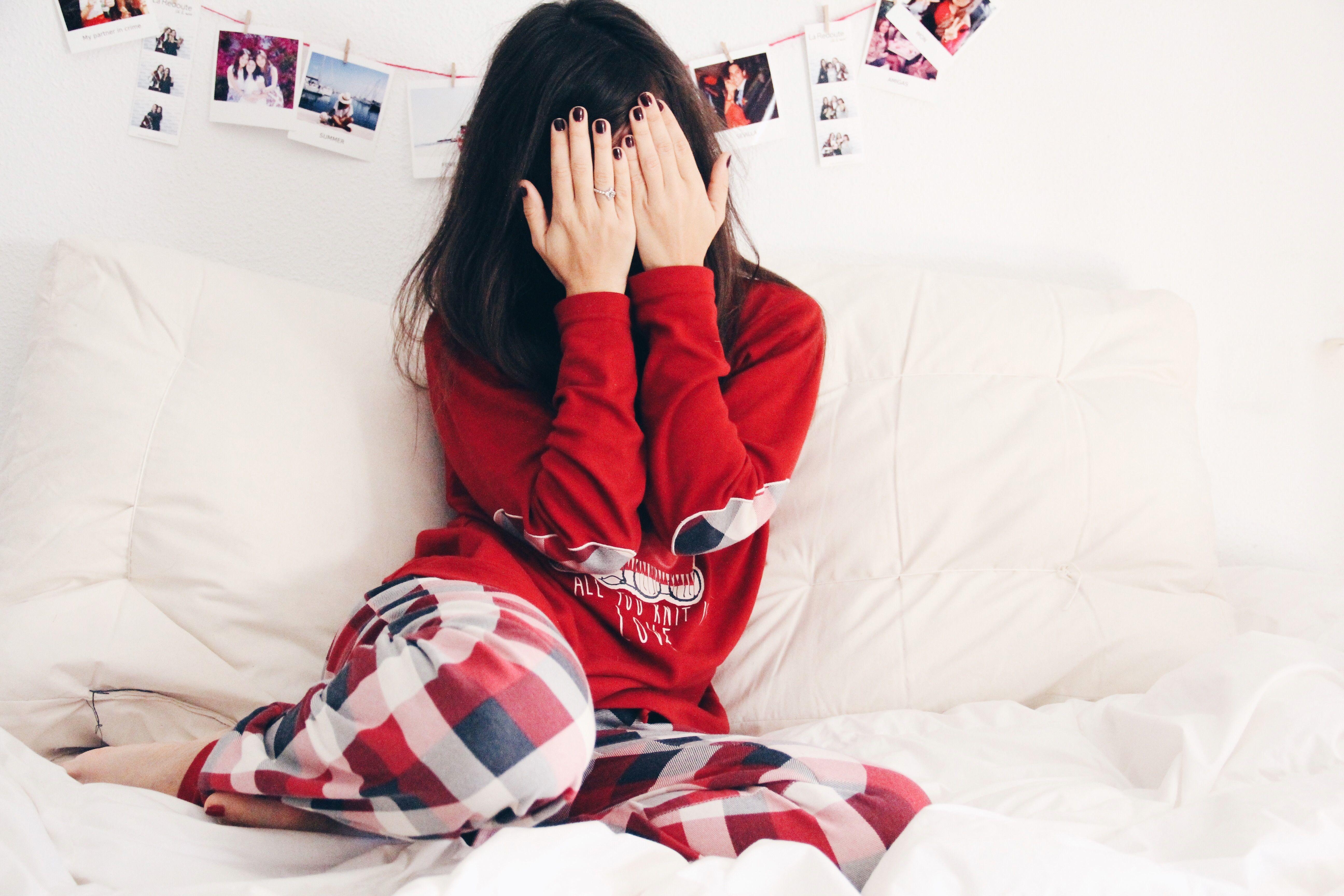 Gisela_intimates-pijama_de_cuadros-pijama_de_snoopy-tarde_de_manta_y_sofa-less_is_more_en_pijama-gorro_de_lana_primark