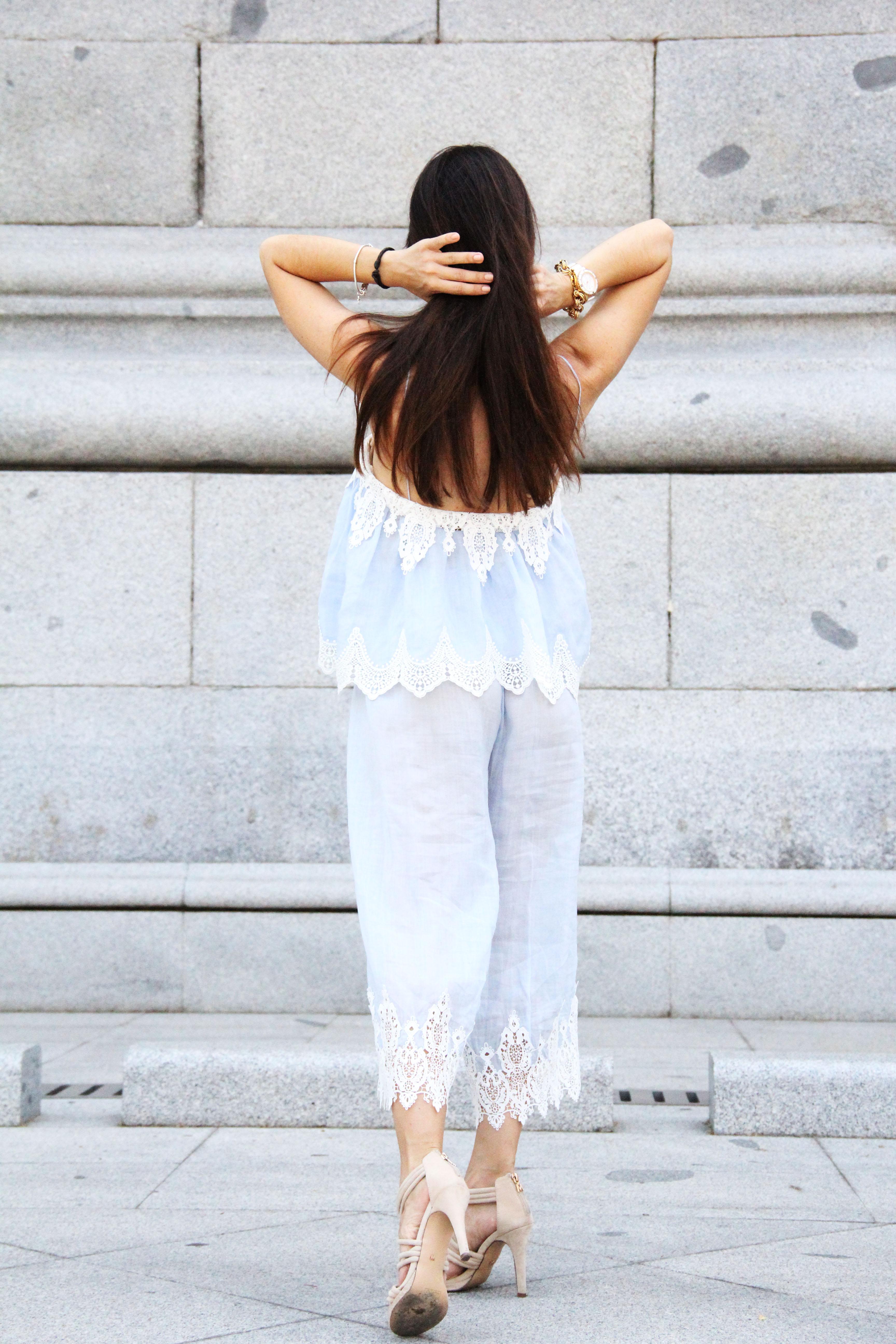 top_lencero-tendencia_pijama-sandalias_nude-gafas_ojo_de_gato-lessismoreblog_1