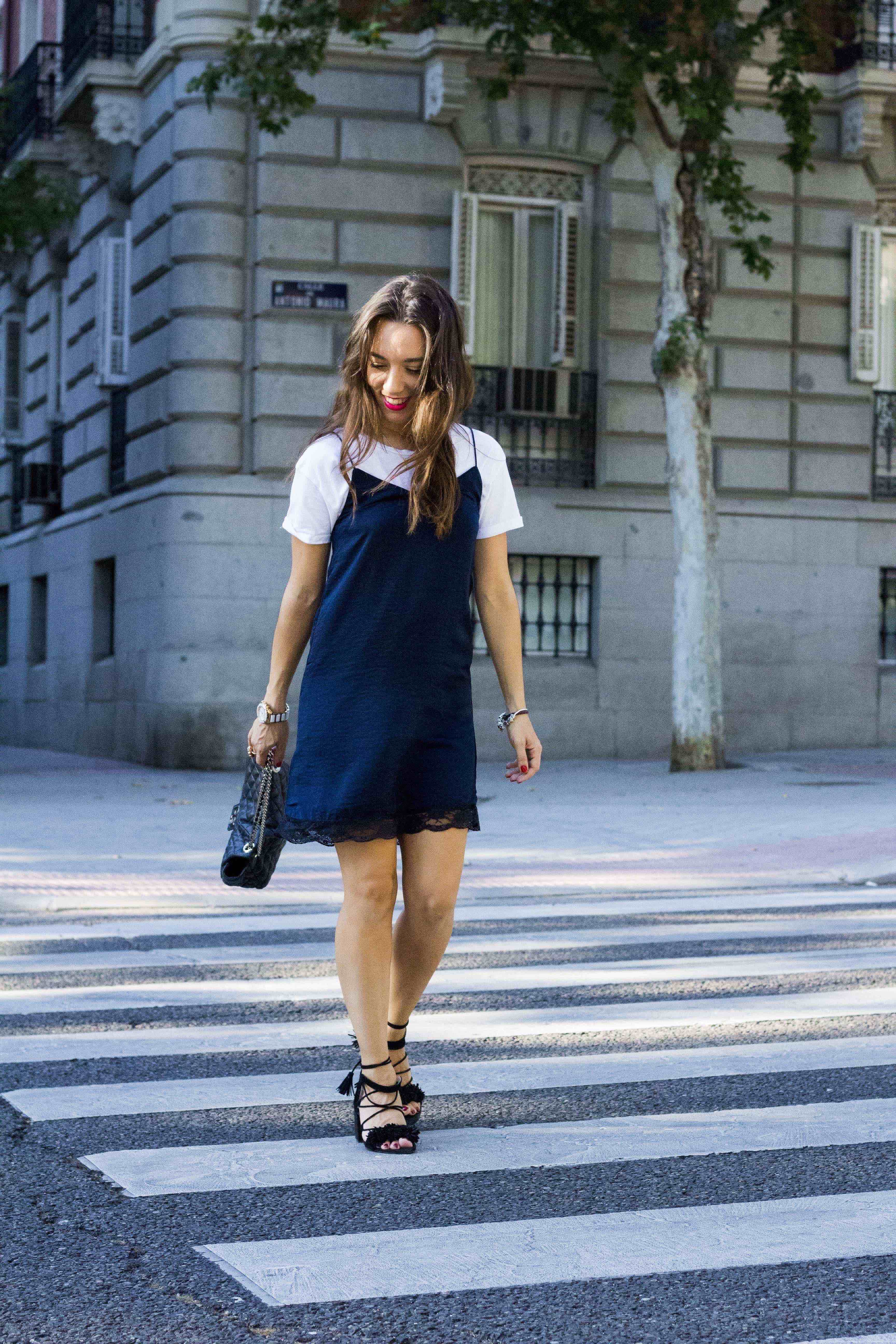 slip dress con camiseta